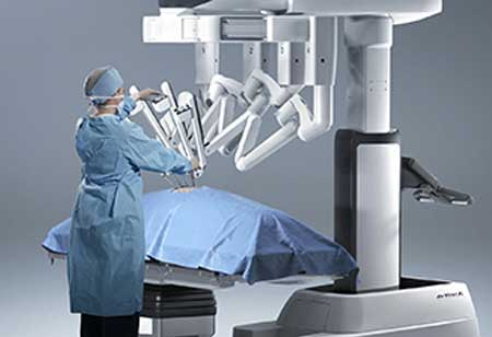 Why Surgery Tech Attracts Doctors